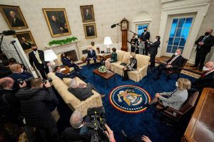 El dilema de Biden: bipartidisme o arrossegar amb la seva majoria en el Congrés