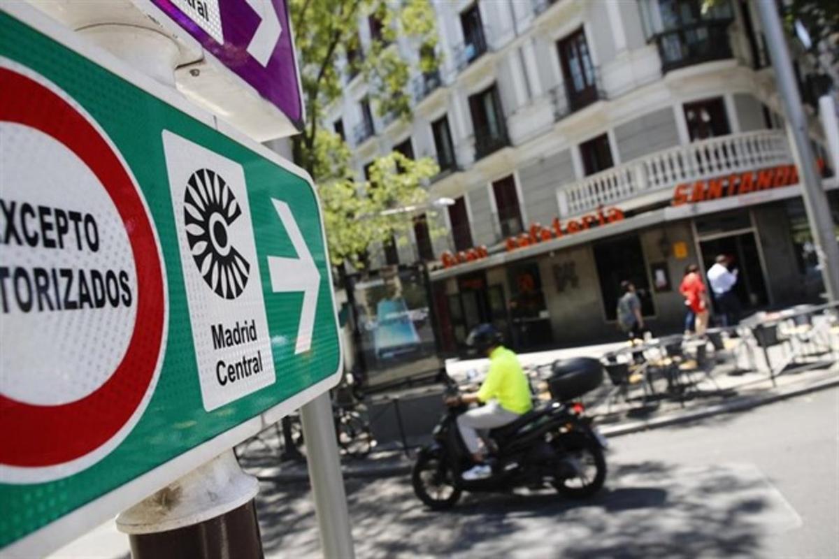 Señal de tráfico de Madrid Central.