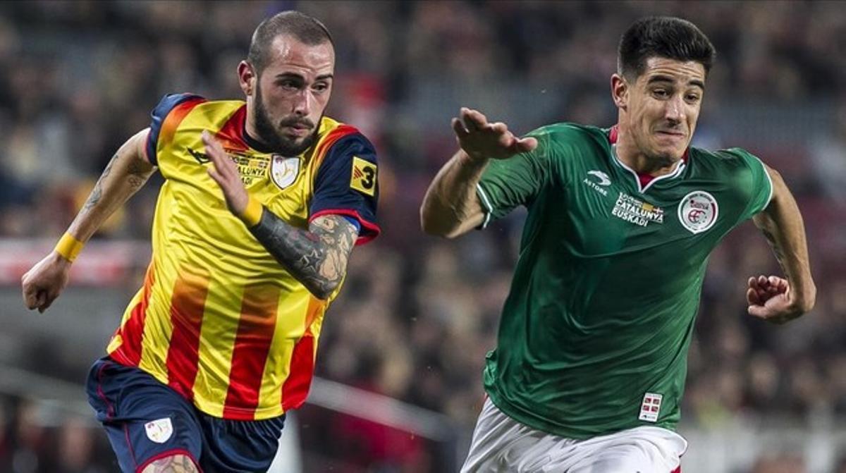 Aleix Vidal trata de superar a Yuri Berchiche en el Catalunya-Euskadi.