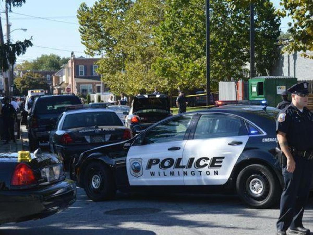 Coches de la policía del estado de Delaware en Welmington.