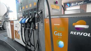 Surtidores deuna de las gasolineras de Repsol en Barcelona.
