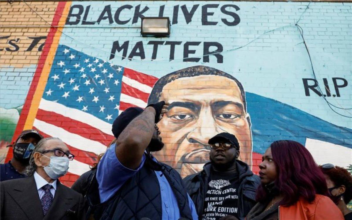 Un mural en honor aGeorge Floyden un barrio deBrooklyn, Nueva York.