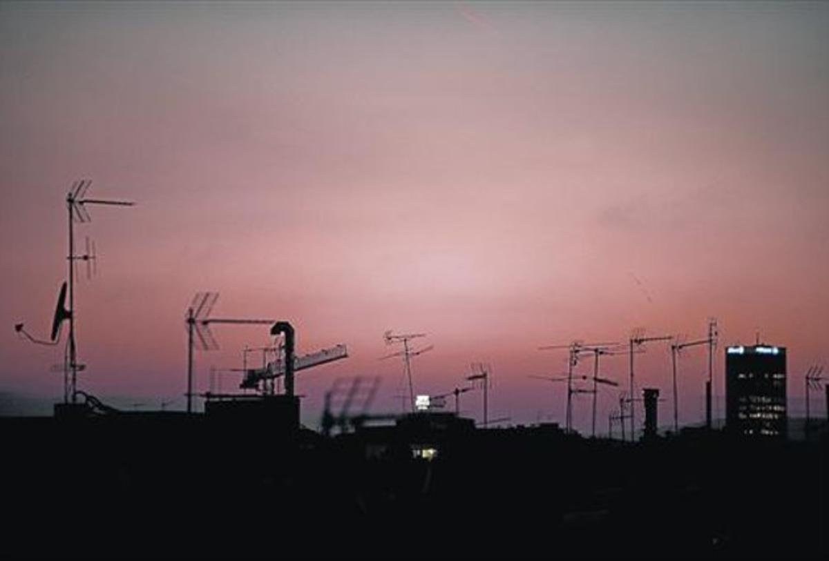 Imagen de antenas colectivas de comunidades de vecinos de Barcelona.