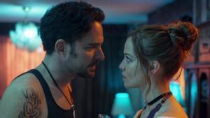 Manolo Cardona y Carolina Mirando, en '¿Quién mató a Sara?'.