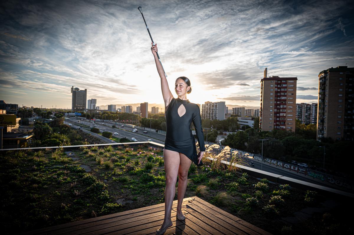 Paula Heredia, campeona de Europa, de España y de Catalunya de 'twirling' y premio Cultura Gitana 8 de abril de Deporte.