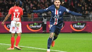 El argentino Mauro Icardi celebra un gol con el París Saint-Germain.