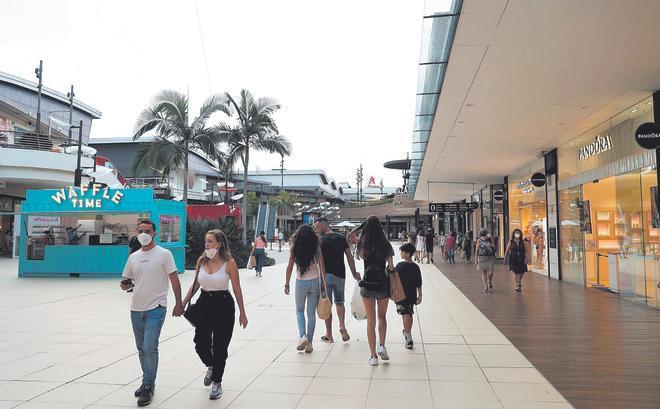 Exterior de un centro comercial en Valencia