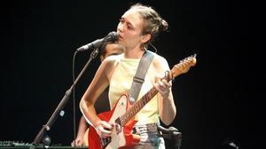 Clara Viñals, durante una actuación de Renaldo & Clara.