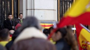 Mor un home atacat per portar uns tirants amb la bandera d'Espanya