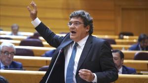 Interpelaciones al Gobierno en el Senado , en la imagen Jose Luis Escrivá.