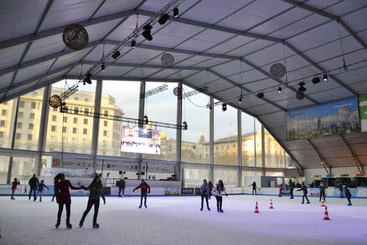 La pista de hielo de plaza Catalunya, en una imagen de archivo.