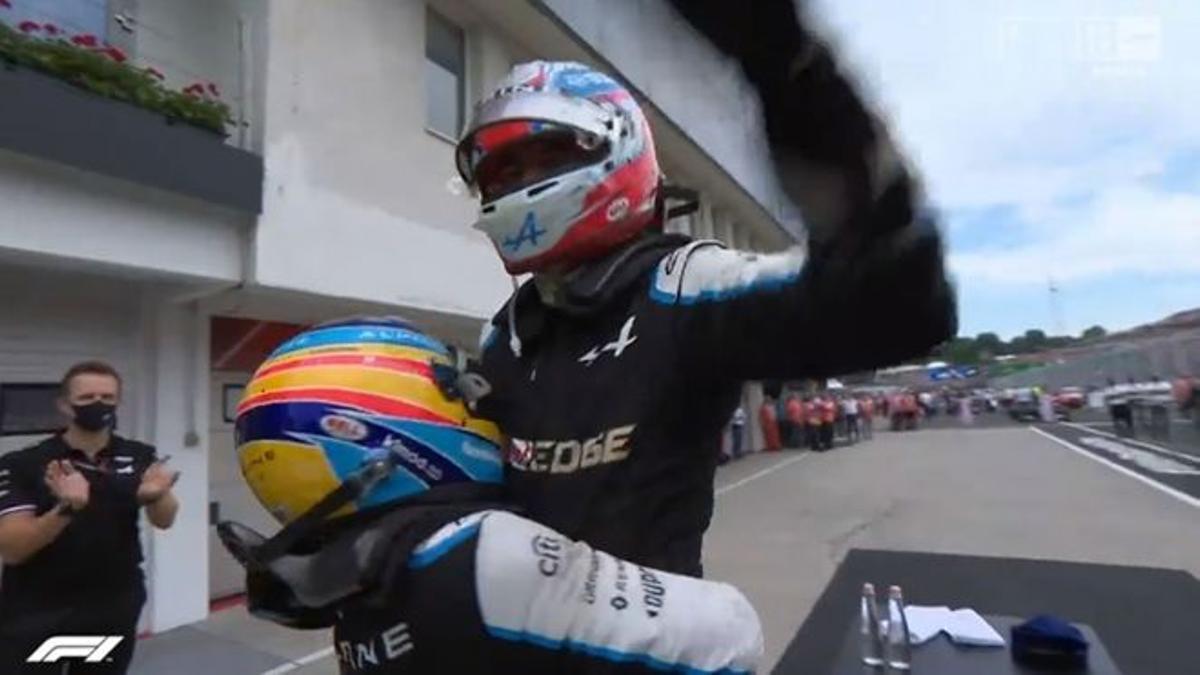 Alonso levanta a Ocon en Hungría.