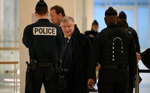 El antiguo CEO de France Télécom Didier Lombard, llegando este 20 de diciembre al juzgado