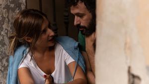La productora Sofía Fábregas con Rodrigo Sorogoyen, durante el rodaje.