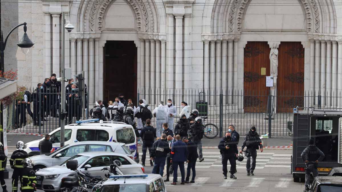 Tres muertos en un atentado con un cuchillo en Niza. En la foto, la iglesia de Notre Dame, en la que han tenido lugar los hechos.