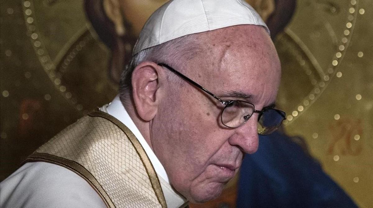 El papa Francisco durante la visita histórica a la iglesia anglicana All Saints, en Roma, este domingo.