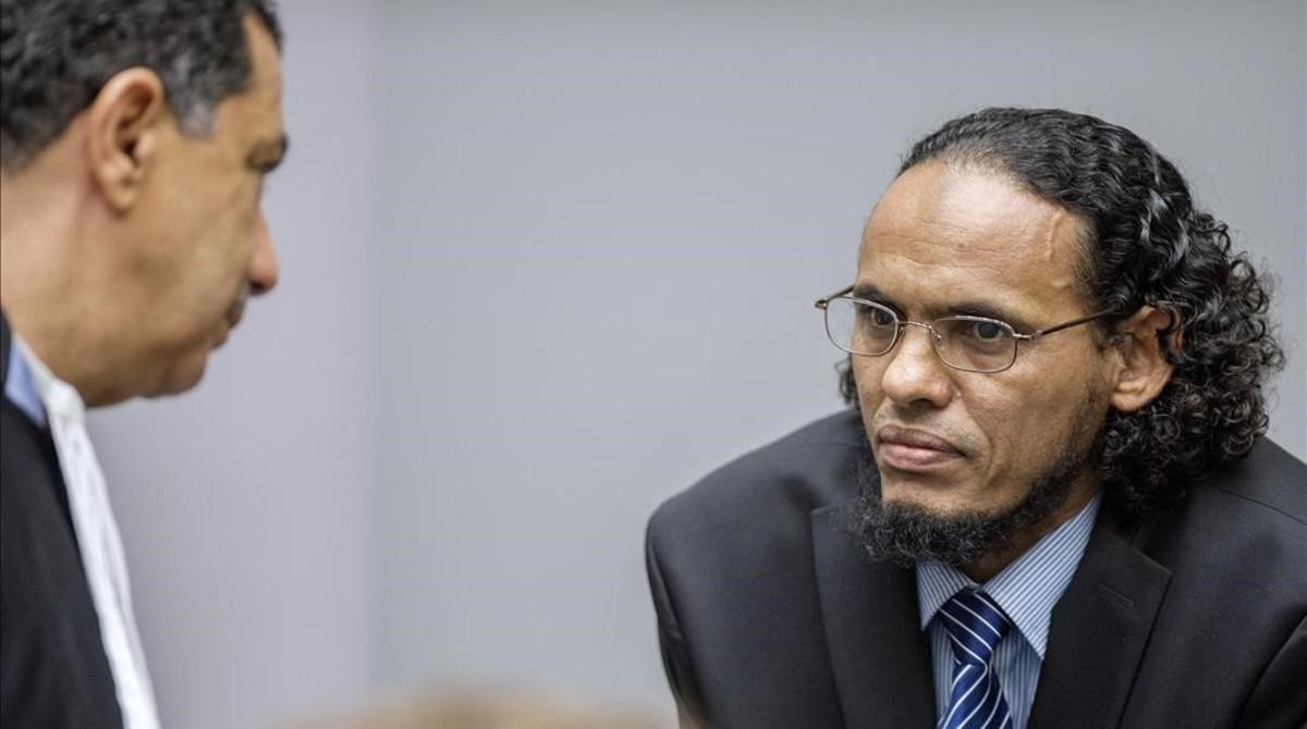 Ahmad Al Faqi Al Mahdi el primer día de su juicio por crímenes de guerra en el Tribunal Penal Internacional de La Haya, el lunes 22 de agosto.