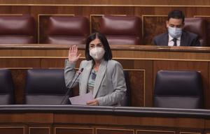 La ministra de Sanidad, Carolina Darias, durante la sesión de control al Gobierno en el Congreso de este 9 de junio.