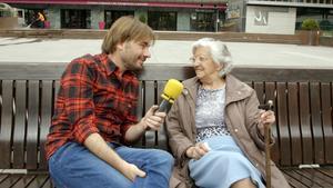 Quim Masferrer, junto a una de las entrevistadas en el especial de 'El foraster' en Andorra.