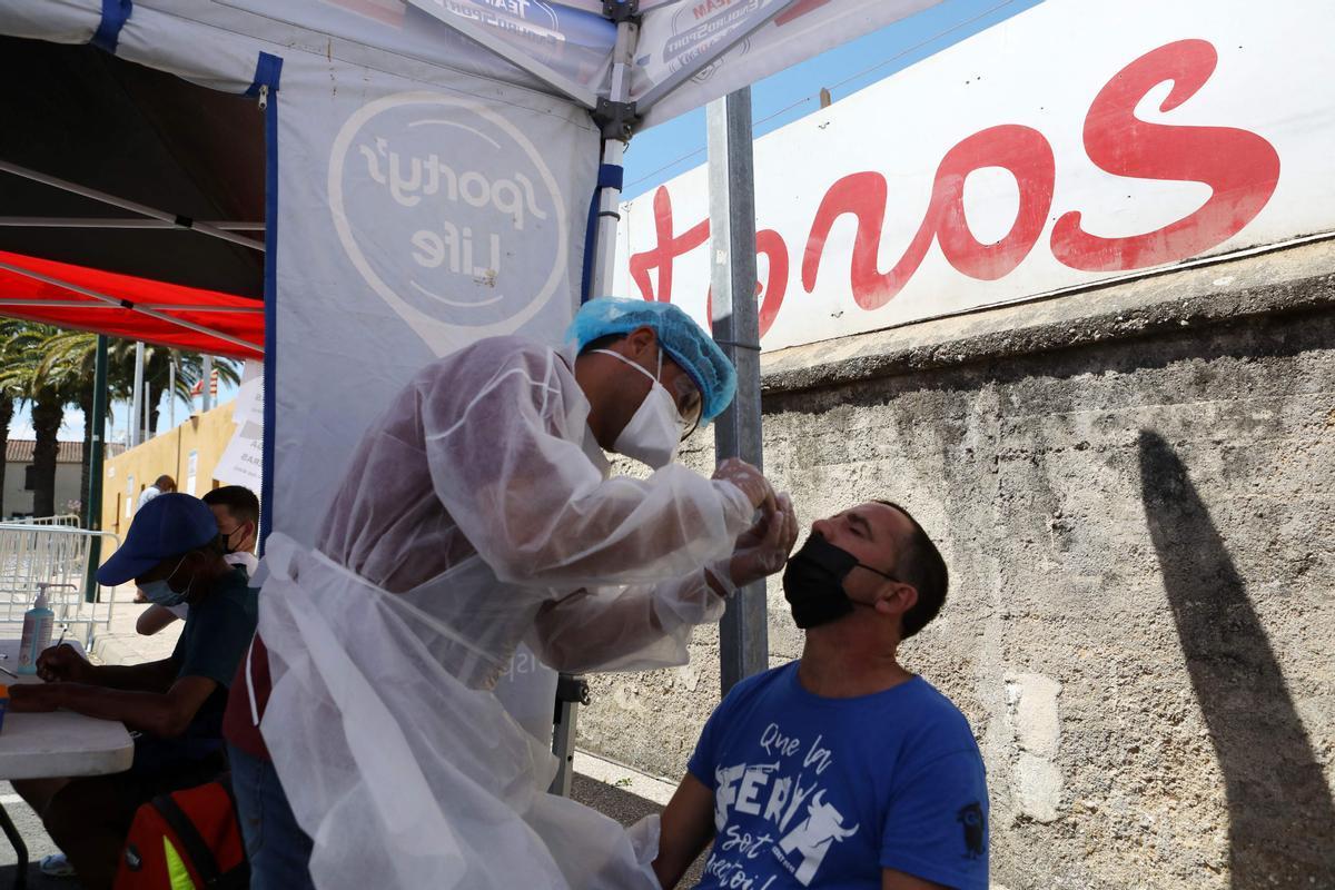 França, en guàrdia davant l'auge dels contagis