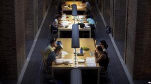 La Generalitat vol equiparar el pròxim curs els preus de grau i màster