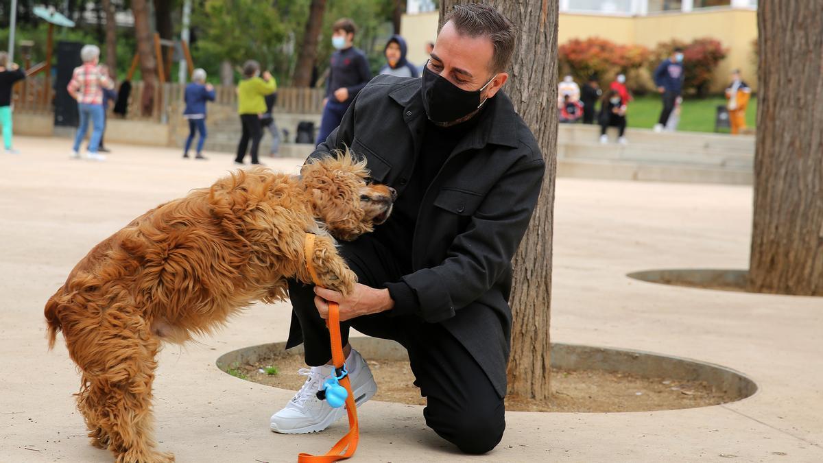Rodolfo y Alfredo, hace un par de semanas, de paseo por el parque de la Guineueta