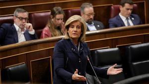 Fátima Bañez, ministra de Empleo, en el pleno del Congreso el pasado martes.