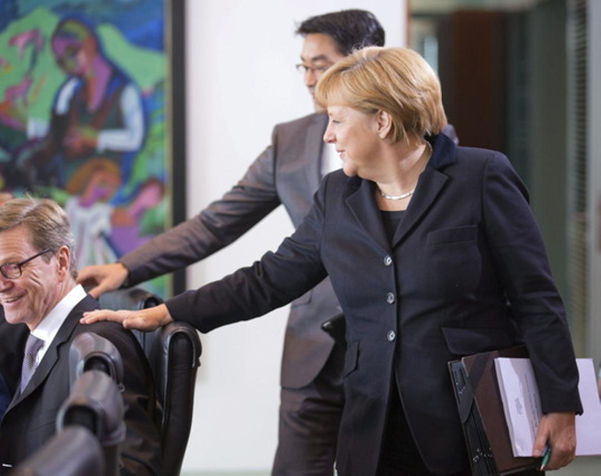 El gabinete de gobierno alemán reunido hoy durante la sesión en la que se ha aprobado la nueva ley que permite la circuncisión por motivos religiosos.