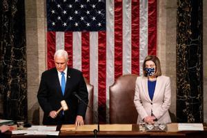 Mike Pence y Nancy Pelosi presiden la sesión conjunta del Congreso de EEUU.