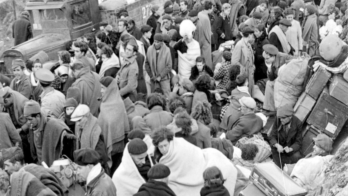 Escenas de la retirada republicana en 1939.