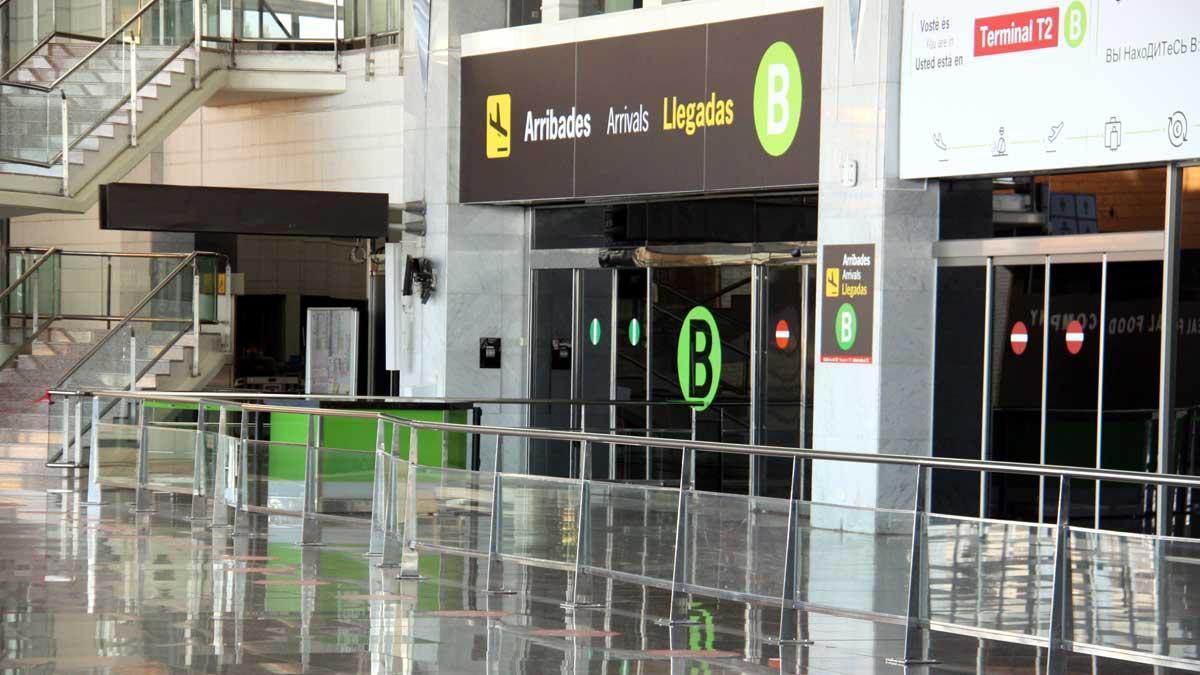 La T-2 de El Prat vuelve a cerrar por el descenso de vuelos por el covid.