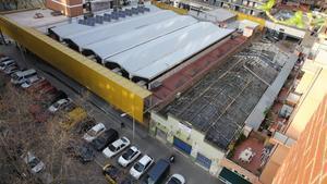 Construcción de una  macrococina fantasma al lado del Mercat de Sant Marti