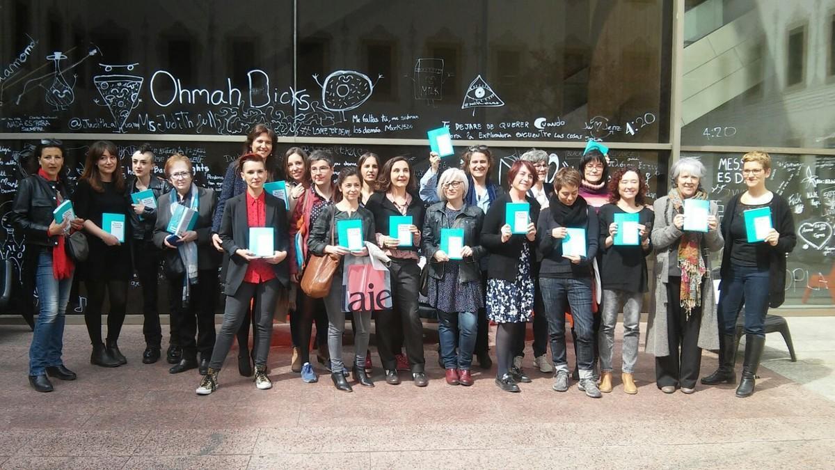 Un libro da a conocer, con traducciones al inglés,  a 60 escritoras catalanas