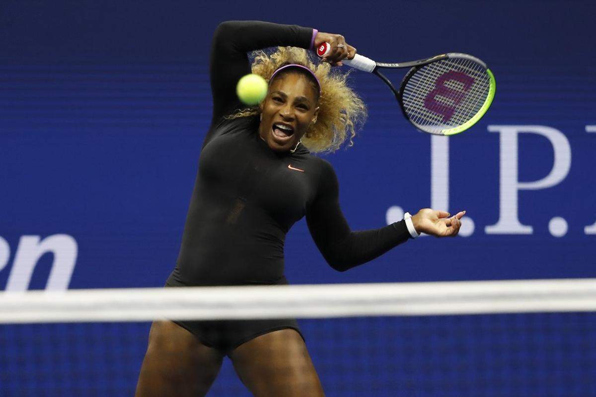 Serena Williams aplasta a Sharapova en su estreno en el Abierto de EE.UU