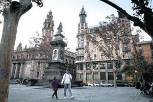 Plaza de Antonio López, que la ciudad dedica a un negrero indiscutido.