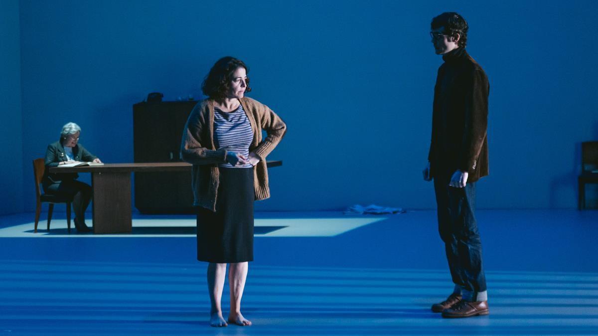 Nora Navas en una escena de 'El quadern daurat'.