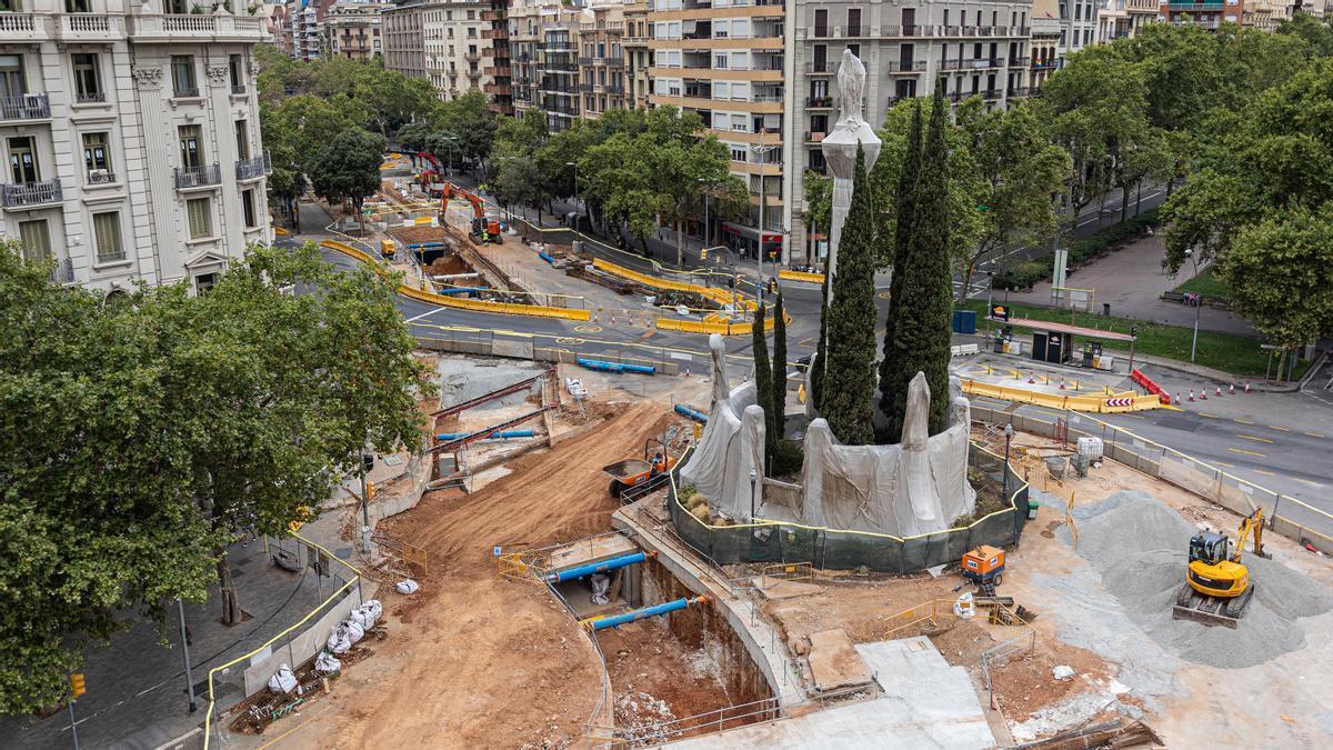 Vista de las obras del colector de Diagonal en el tramo entre paseo de Sant Joan y Girona, este miércoles.
