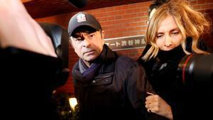 Carlos Ghosn y su esposa Carole.