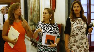 Ana Pastor, la presidenta del Congreso, con Alicia Sánchez Camacho y Rosa Romero.