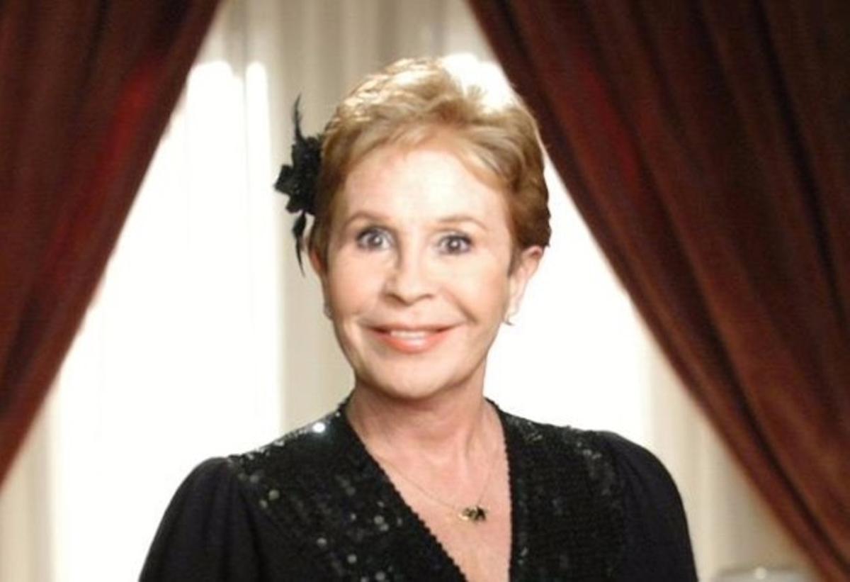 La actriz Lina Morgan, en la serie 'Hostal Royal Manzanares'.