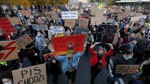 Protestas sociales en Polonia por las restricciones en el aborto.