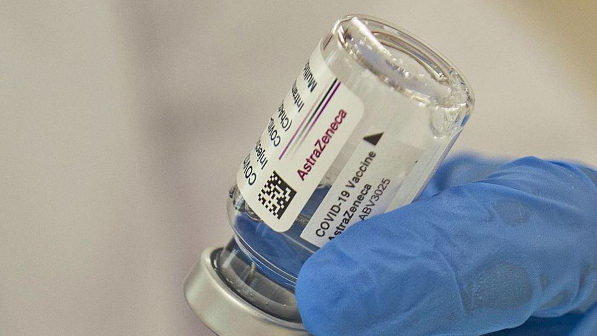 Los vacunados con la primera dosis de AstraZeneca recibirán una segunda de Pfizer