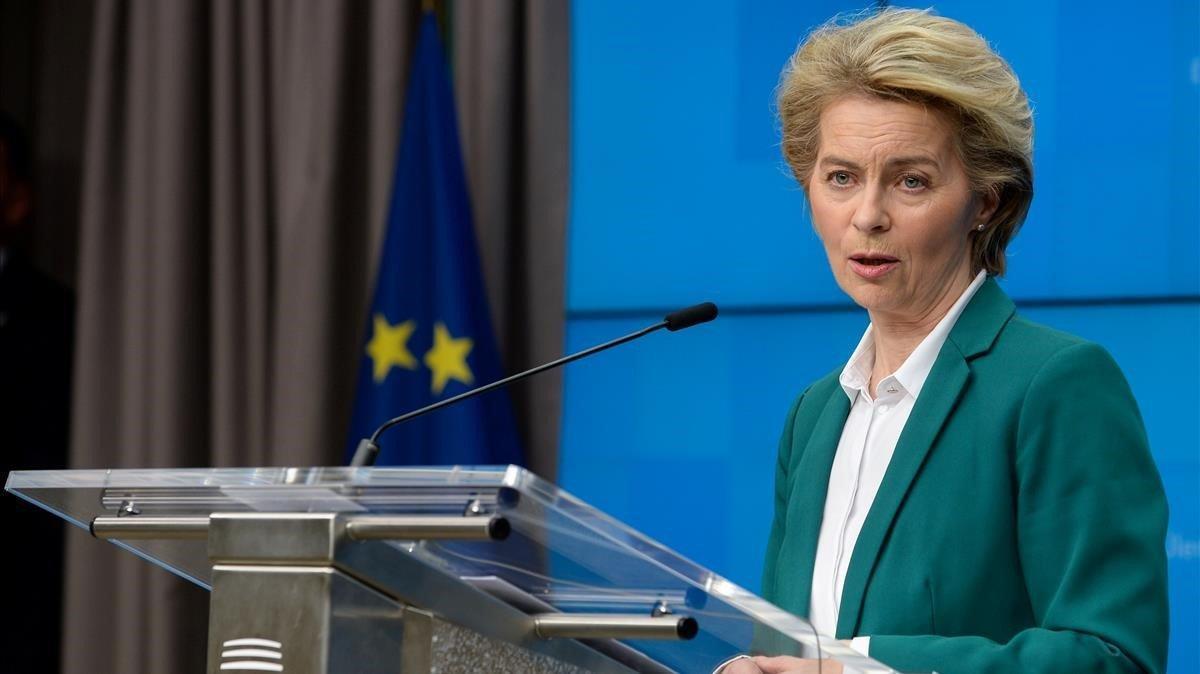 La presidenta de la Comisión Europea Ursula von der Leyen, en una conferencian de prensa en Bruselas, el pasado día16 de marzo.