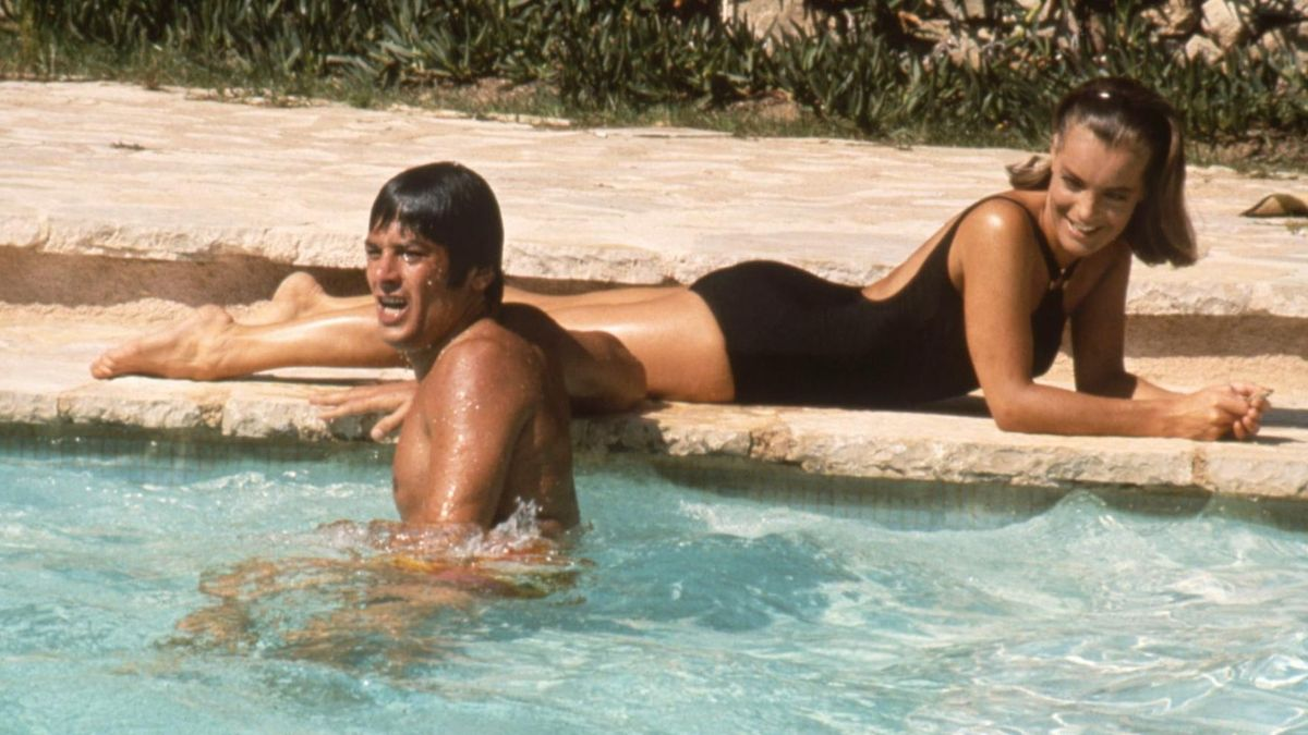 Alain Delon y Romy Schneider, en la 'La piscina'.