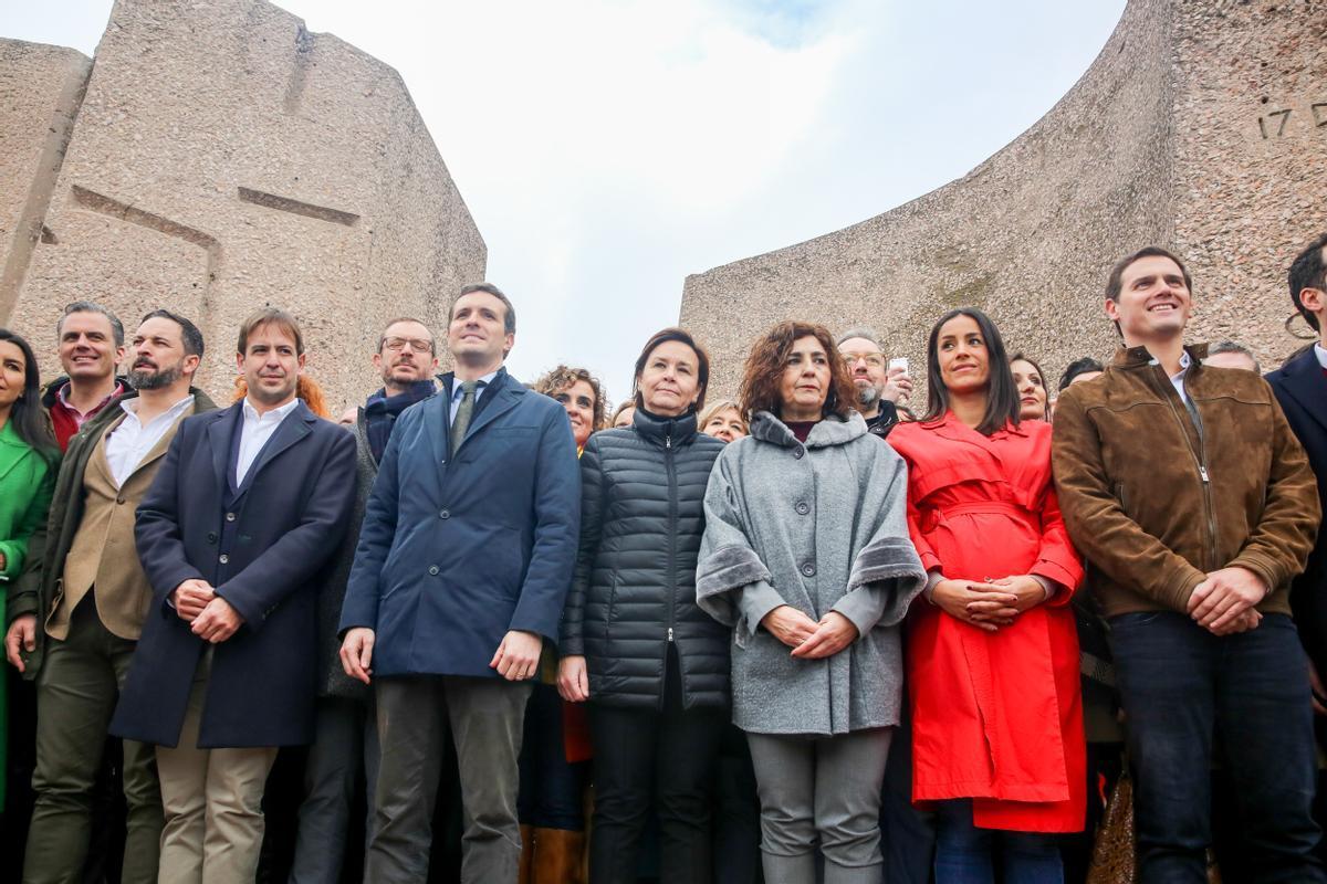 De izquierda a derecha, dirigentes de Vox, UPyD, PP y Ciudadanos, en la manifestación de Colón del 11 de febrero del 2019 para pedir elecciones anticipadas y protestar contra el diálogo entre la Moncloa y la Generalitat.