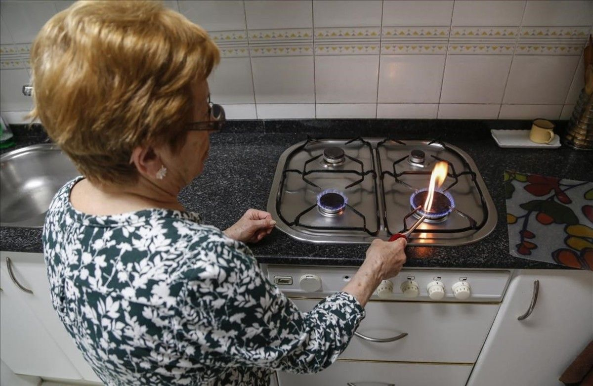 Manuela es una de las ancianas que recibió la visita de los estafadores del gas.