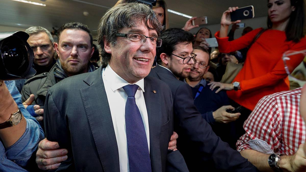 Un portavoz de la fiscalía de Bruselas explica la situación de Carles Puigdemont y los 'exconsellers'.