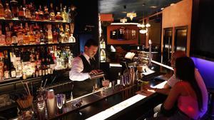 Muticlub tiene una carta con decenas de cócteles a base de vino y también clásicos.