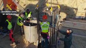 Los mineros encaran las horas decisivas en el rescate del niñoJulen en el pozo de Totalán (Málaga).
