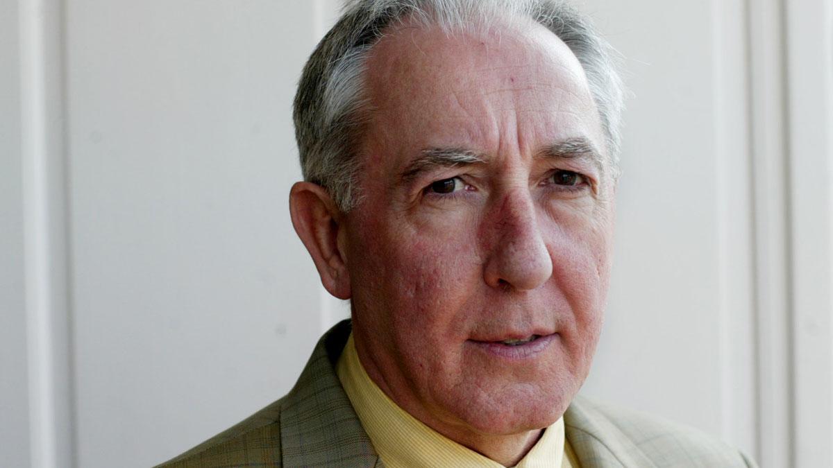Joseba Arregi (Andoain 1946- Bilbao 2021) fue consejero de Cultura del Gobierno Vasco con el lehendakari José Antonio Ardanza. Es autor de, entre otros, 'La nación vasca posible' (2000), 'Euskadi invertebrada' (2000) o 'El terror de ETA: la narrativa de las víctimas' (2015).